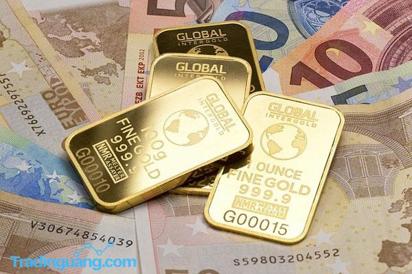 Benarkah Kini Harga Emas Lebih Rendah Dibanding Uang Tunai?
